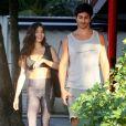 Isis Valverde foi clicada com o marido, André Resende, no Rio de Janeiro