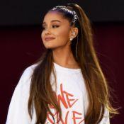 Curtinho e com cachos! Ariana Grande mostra verdadeiro cabelo em vídeo. Veja!