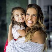 Deborah Secco aposta que a filha, Maria Flor, será youtuber: 'Lembra eu mesma'