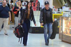 Discretos! Ximbinha e namorada evitam andar de mãos dadas em aeroporto do Rio
