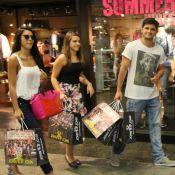 Bruno Gissoni e a namorada renovam o guarda-roupa em dia de compras no Rio
