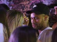 Neymar aparece em clima de romance em Salvador; cantora é apontada como affair