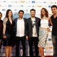 Sergio Marone com o elenco de 'Prometo um dia deixar essa cidade' no Festival do Rio