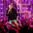 'Sua xerox!', exclamou uma fã de Felipe Araujo diante dos cliques do filho do cantor