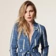 Luísa Sonza e Bianca Rinaldi investiram em blazer jeans de amarração, de R$ 579,da marca MOB