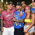 Anitta e Gabriel Medina foram juntos a camarote no Carnaval no Rio de Janeiro