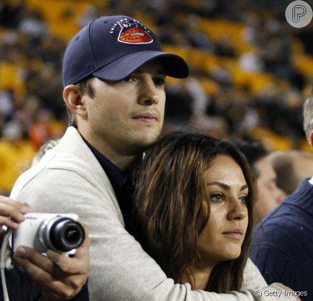 Ashton Kutcher e Mila Kunis são pais! A atriz deu à luz uma menina em Los Angeles, nos Estados Unidos, nesta terça-feira, 1º de outubro de 2014