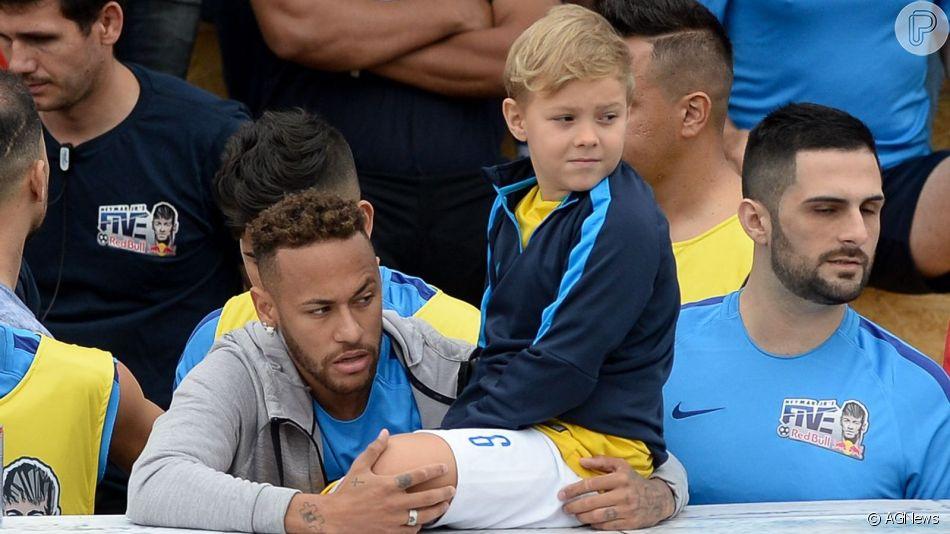 Neymar ganha homenagem do filho, Davi Lucca
