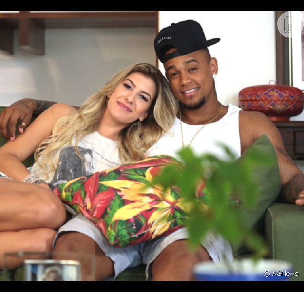 Leo Santana e Lorena Improta curtem viagem de luxo para Maldivas