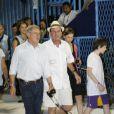 Eduardo Paes levou Harrison Ford e família para o recuo da bateria da Grande Rio