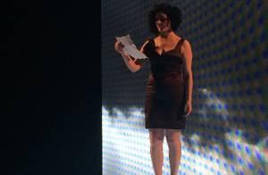 Letícia Sabatella declama poema na abertura do evento de moda Minas Trend