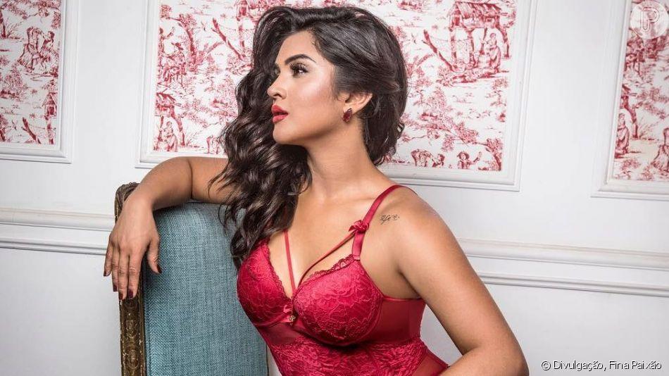 Mileide Mihaile ganha declaração em show de cantor apontado como affair em vídeo compartilhado por fãs neste domingo, dia 14 de abril de 2019