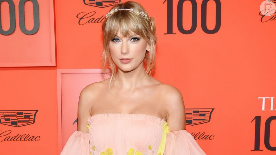 Taylor Swift em look esvoaçante em premiação da revista Time