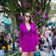 Vestido como blazer na São Paulo Fashion Week? Temos! Fica incrível e muito versátil quando combinado com tênis para uma proposta mais casual
