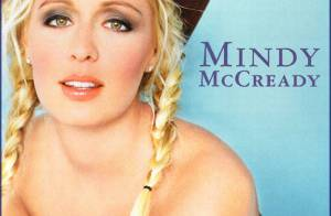 Cantora country Mindy McCready é encontrada morta em sua casa nos Estados Unidos