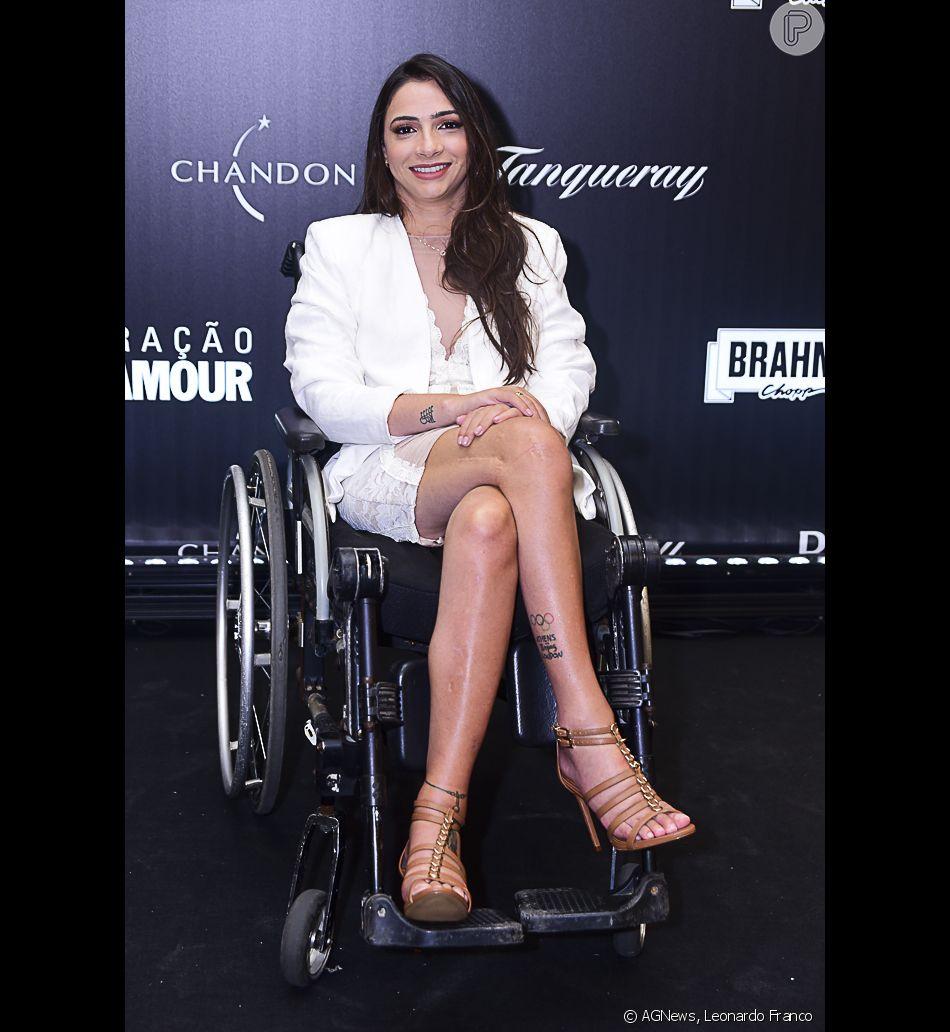 49f75f9eddc2 Lais Souza escolheu um look de alfaiataria branca para o Prêmio Geração  Glamour