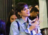 De franjinha! Bruna Marquezine exibe novo visual ao assistir show de amiga em SP