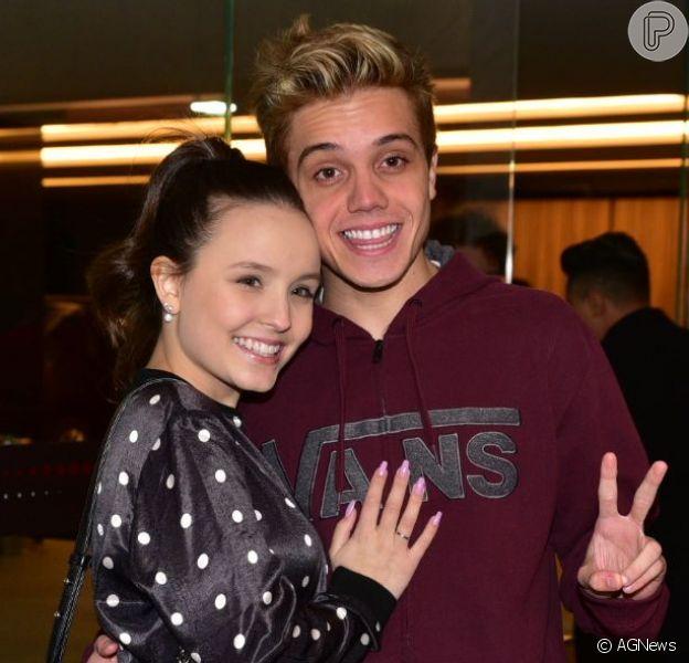 Larissa Manoela ganha apoio do namorado, Leonardo Cidade, após vídeo íntimo ser atribuído à ela
