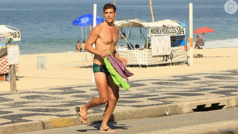 Reynaldo Gianecchini é fotografado deixando a praia do Leblon, zona sul do Rio de Janeiro, nesta quarta-feira, 22 de maio de 2019