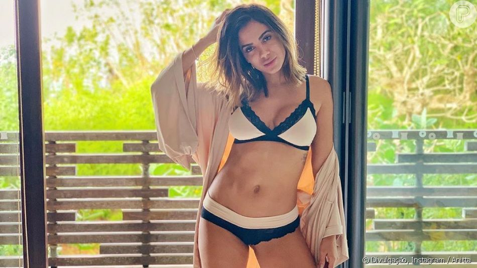 Anitta posa de lingerie da marca Hope; sutiã da coleção Love Stories custa R$ 98