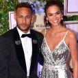 Neymar deu de presente para Bruna Marquezine ganhou um par de brincos da designer Ara Vartanian quando ainda estavam juntos