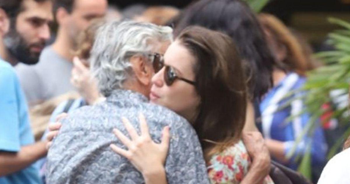 Dona maria deixa namorar com sua filha