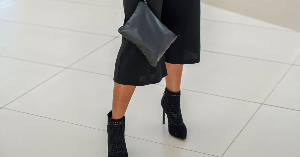 1805a389aa5ad A bota de bico e salto finos pode ser usada no office look com calça preta  pantacourt - Purepeople