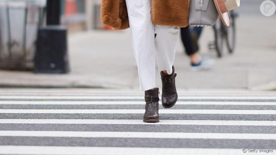 Botas no look de trabalho: veja inspirações de fashionistas para você montar seu visual