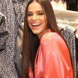 Bruna Marquezine elegeu a moda do cabelo ultralongo para evento da Intimissimi, nesta terça-feira, dia 11 de junho de 2019