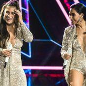 Simaria ganha massagem em show e Simone zoa irmã por acessório: 'Tão sensual'