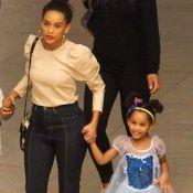 Princesa de tênis: filha de Taís Araujo rouba cena com fantasia em passeio