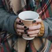 Unhas na moda: 5 opções de esmaltes para arrasar na manicure durante o inverno