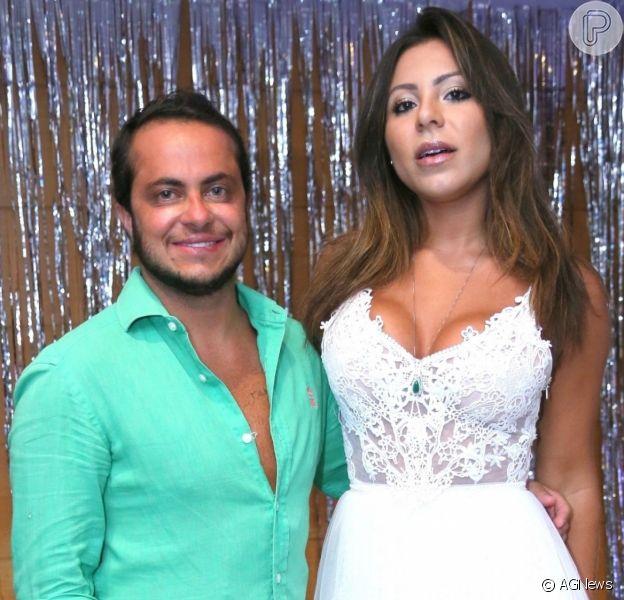 A modelo Andressa Ferreira, mulher de Thammy Miranda, está grávida