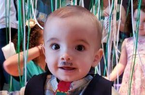 Filho de Milena Toscano surge de bigodinho de caipira em festa junina: 'Fofo'