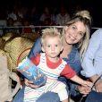 Karina Bacchi adiou os planos de gravidez por conta do filho, Enrico: 'Fase de colo'