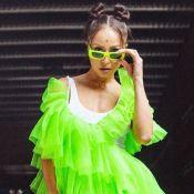 Sabrina Sato usa look verde neon e roupa diverte a filha, Zoe: 'De olho'. Vídeo!