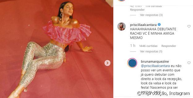 Bruna Marquezine se compara a debutante por trocas de look em prêmio