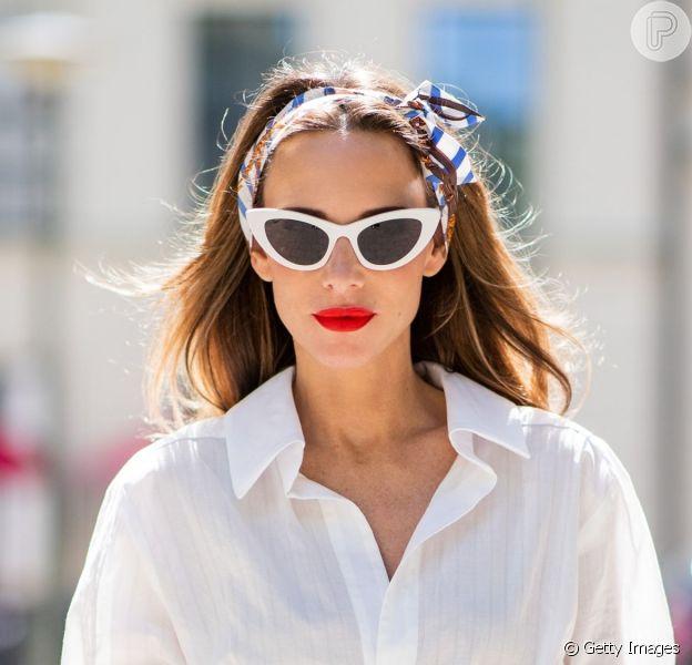 Lenço no cabelo: 6 formas estilosas de amarrar o acessório!