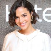 Bruna Marquezine renova e faz extensão capilar em salão em LA: 'Reparo rápido'