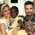 Títi, filha de Giovanna Ewbank e Bruno Gagliasso, interrompeu vídeo da mãe durante degustação de queijos e vinhos na África: 'Fome!'