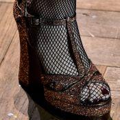 Sandália de salto por menos: confira 7 modelos meia pata que estão na liquidação