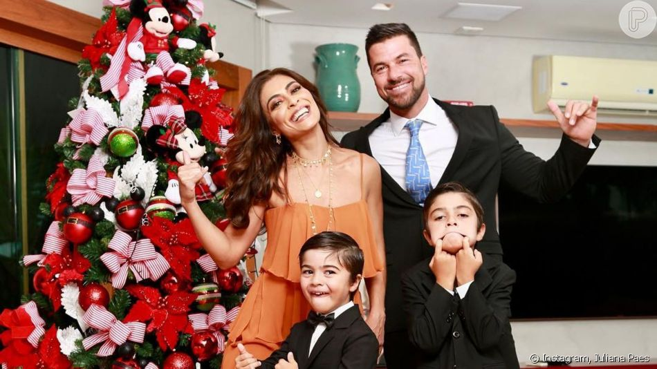 Juliana Paes e o marido, Carlos Eduardo Baptista, festejaram os 6 anos do filho caçula, Antônio