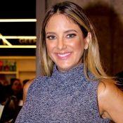 Filha de Ticiane Pinheiro, Manuella vê TV com apresentadora: 'Assistindo papai'