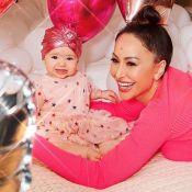 Sabrina Sato 'flagra' a filha, Zoe, mexendo em seus saltos: 'Já quer?'. Fotos!