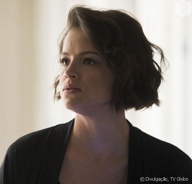 Nos próximos capítulos da novela 'A Dona do Pedaço', Josiane (Agatha Moreira) surta ao ser abandonada por Régis (Reynaldo Gianecchini).