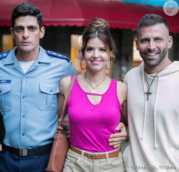 Nos próximos capítulos de 'Malhação: Toma Forma de Amar', Carla (Mariana Santos) é surpreendida por festa de noivado surpresa de Madureira (Henri Castelli)