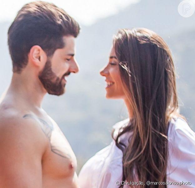 Alok e mulher, Romana Novais, aparecem apaixonados em clipe