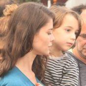 Alinne Moraes e Tainá Müller levam os filhos em protesto a favor da Amazônia