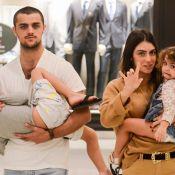 Felipe Simas entrega 3ª gravidez da mulher em foto curiosa com filhos. Veja!