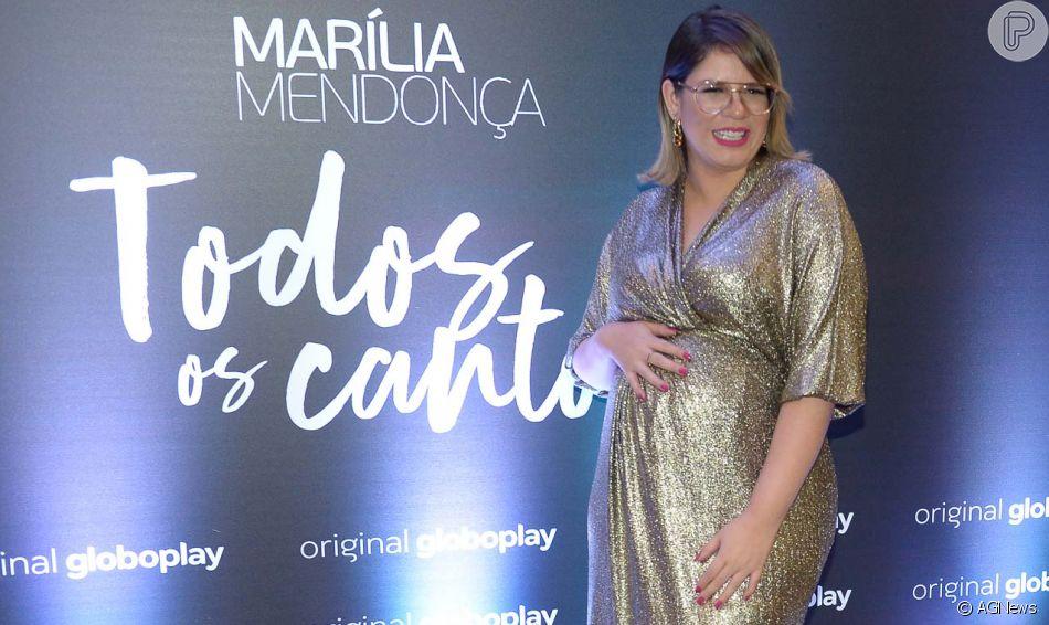 Marília Mendonça alia look glow a tênis em estampa animal print ao lançar série